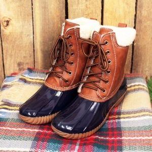Shoes - 🎉1 HR SALE🎉 EDDIE Duck Boots - NAVY